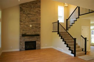 """Photo 2: 39 1885 COLUMBIA VALLEY Road in Lindell Beach: Cultus Lake House for sale in """"AQUADEL CROSSING"""" : MLS®# R2212620"""