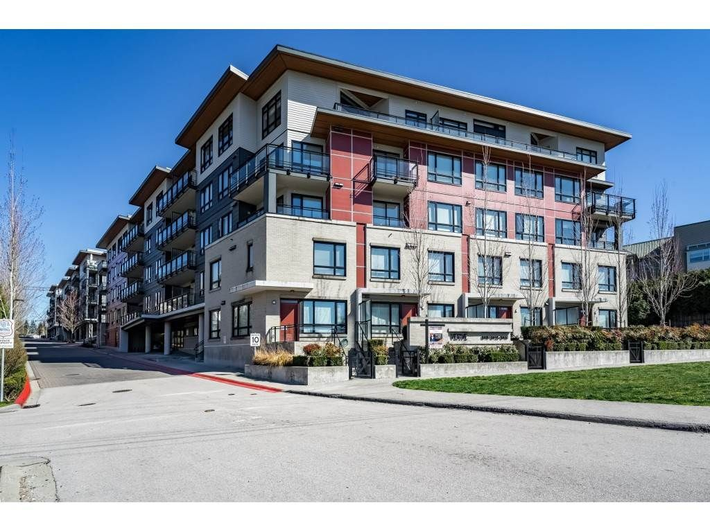 Main Photo: 101 13925 FRASER HIGHWAY in Surrey: Whalley Condo for sale (North Surrey)  : MLS®# R2351504