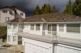 Photo 4: Abbotsford House for Sale 2271 Mountain Drive $774,900 5 Bedrooms 4 Bathrooms Basement Entry
