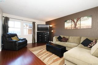 Photo 2: 7 400 Culduthel Rd in VICTORIA: SW Gateway Row/Townhouse for sale (Saanich West)  : MLS®# 805780