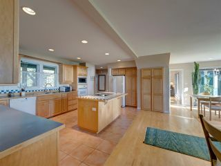 Photo 12: 7891 REDROOFFS Road in Halfmoon Bay: Halfmn Bay Secret Cv Redroofs House for sale (Sunshine Coast)  : MLS®# R2507576