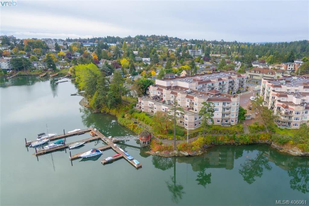 Main Photo: 209 1083 Tillicum Rd in VICTORIA: Es Kinsmen Park Condo for sale (Esquimalt)  : MLS®# 806910