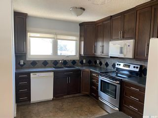 Photo 6: 23 GREENWOOD Crescent in Regina: Normanview West Residential for sale : MLS®# SK850564
