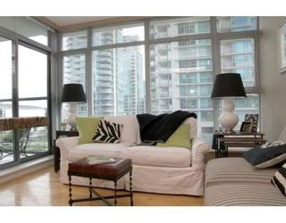 Photo 4: # 303 1710 BAYSHORE DR in Vancouver: Coal Harbour Condo for sale (Vancouver West)  : MLS®# V642290
