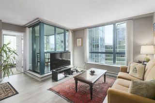 """Photo 8: 1203 1238 MELVILLE Street in Vancouver: Coal Harbour Condo for sale in """"Pointe Claire"""" (Vancouver West)  : MLS®# R2488027"""