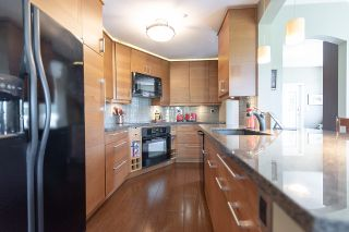 """Photo 10: 313 5835 HAMPTON Place in Vancouver: University VW Condo for sale in """"ST. JAMES HOUSE"""" (Vancouver West)  : MLS®# R2265887"""