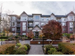 "Photo 1: 109 2167 152 Street in Surrey: Sunnyside Park Surrey Condo for sale in ""Muirfield Gardens"" (South Surrey White Rock)  : MLS®# R2222684"