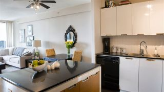 """Photo 4: 804 151 W 2ND Street in North Vancouver: Lower Lonsdale Condo for sale in """"SKY"""" : MLS®# R2260596"""