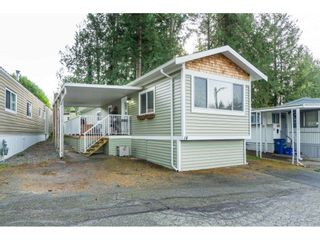 """Photo 3: 14 24330 FRASER Highway in Langley: Otter District Manufactured Home for sale in """"Langley Grove Estates"""" : MLS®# R2518685"""