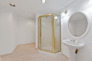 """Photo 22: 202 1250 MARTIN Street: White Rock Condo for sale in """"THE REGENCY"""" (South Surrey White Rock)  : MLS®# R2610384"""