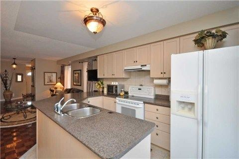 Photo 13: Photos: 5423 Sweetgrass Gate in Mississauga: East Credit House (2-Storey) for sale : MLS®# W3115945