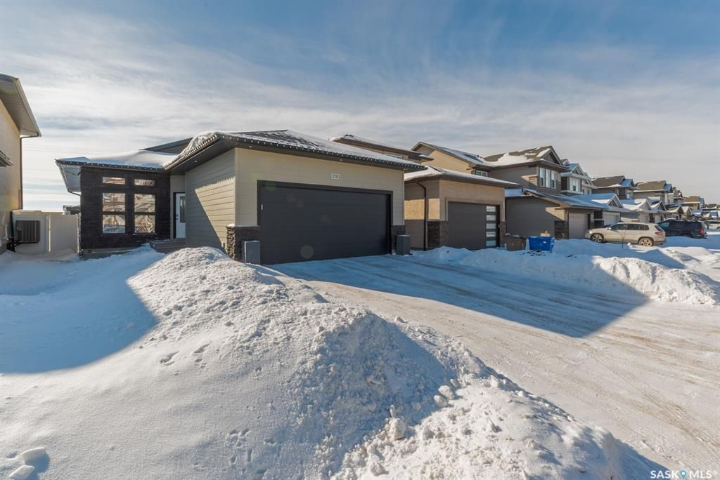 Main Photo: 3761 Green Moss Lane in Regina: Greens on Gardiner Residential for sale : MLS®# SK842121