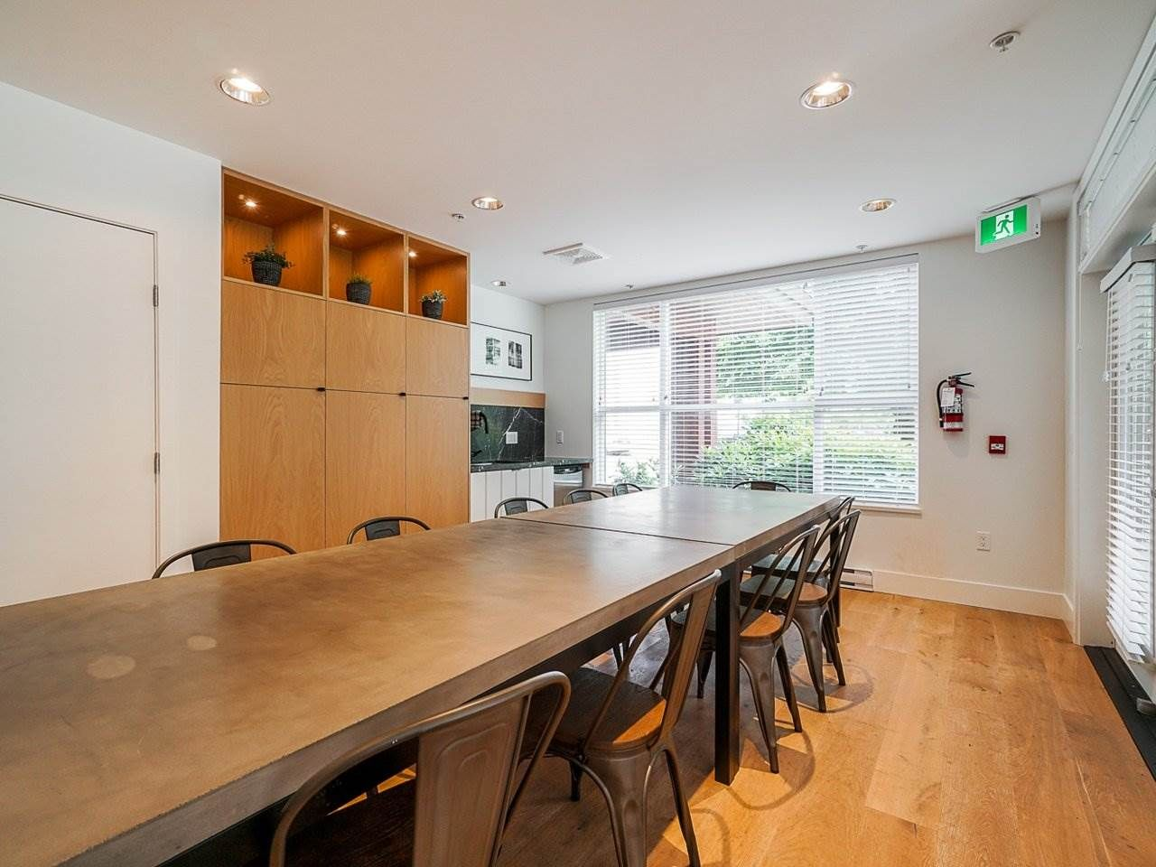 "Photo 33: Photos: 302 3205 MOUNTAIN Highway in North Vancouver: Lynn Valley Condo for sale in ""Mill House"" : MLS®# R2464769"