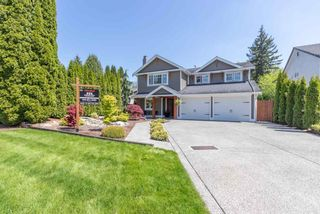 Main Photo: 9122 212A Place in Langley: Walnut Grove House for sale : MLS®# R2582711