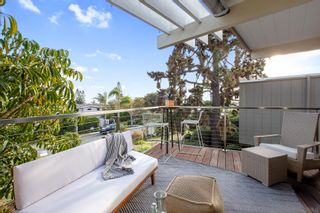 Photo 6: PACIFIC BEACH House for sale : 2 bedrooms : 1264 Agate St in San Diego