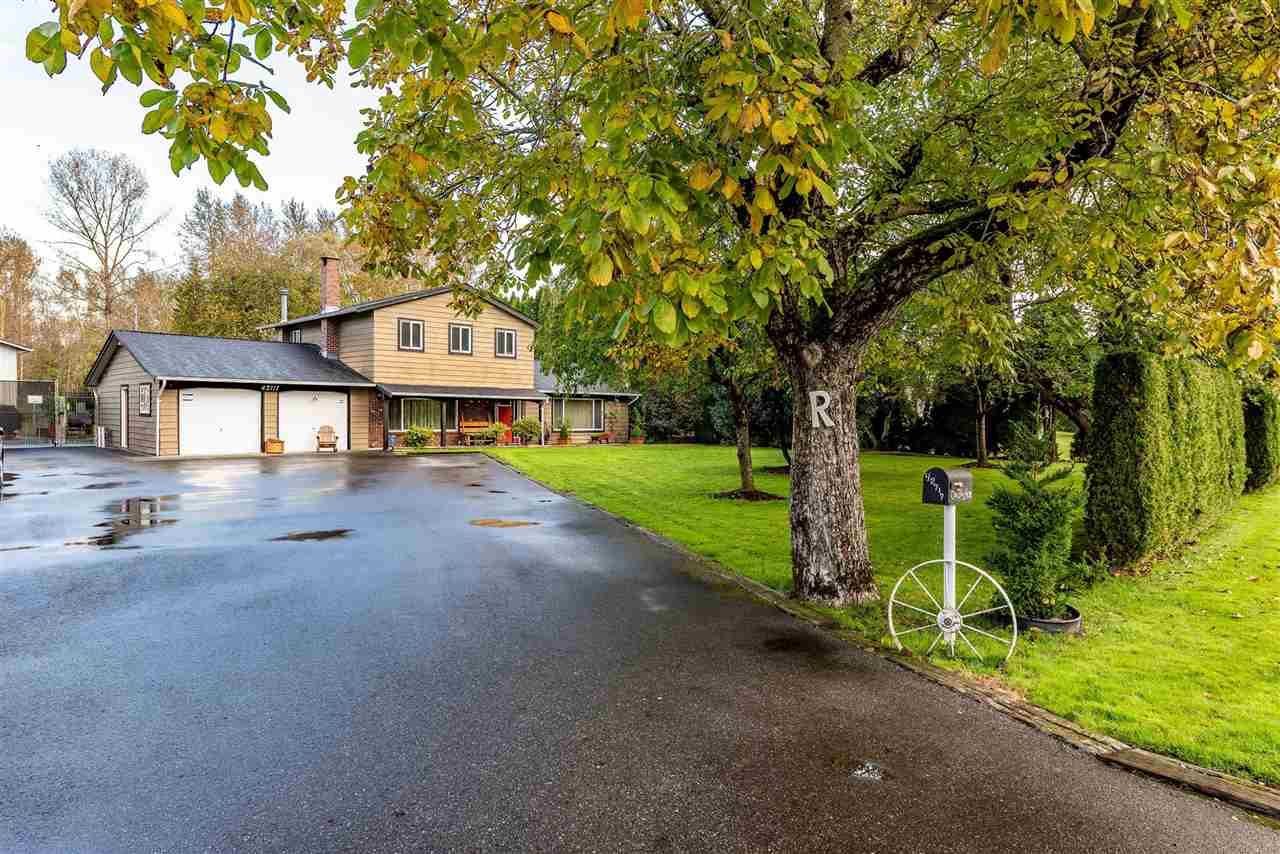 Main Photo: 42717 WALNUT Avenue: Yarrow House for sale : MLS®# R2512412