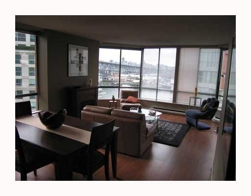 """Photo 3: Photos: 1625 HORNBY Street in Vancouver: False Creek North Condo for sale in """"SEAWALK NORTH"""" (Vancouver West)  : MLS®# V640606"""