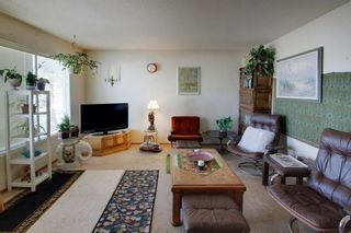Photo 3: 5918 37 Street SW in Calgary: Lakeview Semi Detached for sale : MLS®# A1073760