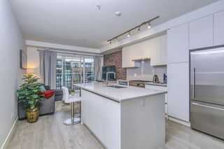 "Photo 13: 303 2141 E HASTINGS Street in Vancouver: Hastings Sunrise Condo for sale in ""The Oxford"" (Vancouver East)  : MLS®# R2431561"