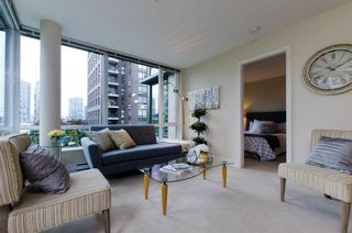 Photo 4: 413 1088 RICHARDS STREET in Vancouver West: Home for sale : MLS®# R2107403