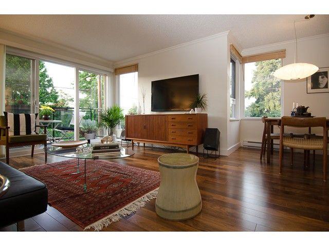 Main Photo: # 206 659 E 8TH AV in Vancouver: Mount Pleasant VE Condo for sale (Vancouver East)  : MLS®# V1075635