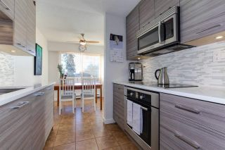 """Photo 5: 8220 ROSSWOOD Place in Burnaby: Forest Hills BN Townhouse for sale in """"FOREST MEADOWS"""" (Burnaby North)  : MLS®# R2332387"""