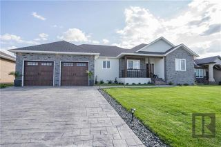 Photo 1: 405 St George Place in Niverville: The Highlands Residential for sale (R07)  : MLS®# 1820283