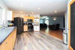 Photo 11: 30105 ZORA Road N in Cooks Creek: House for sale : MLS®# 202119548
