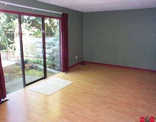 "Photo 2: 5 10898 152ND ST in Surrey: Bolivar Heights Townhouse for sale in ""Woodbridge"" (North Surrey)  : MLS®# F2609389"