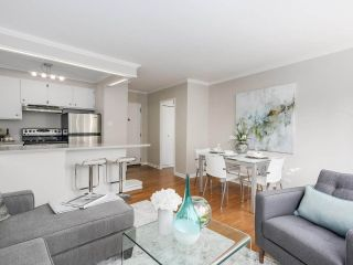 """Photo 11: 601 1445 MARPOLE Avenue in Vancouver: Fairview VW Condo for sale in """"HYCROFT TOWERS"""" (Vancouver West)  : MLS®# R2209267"""