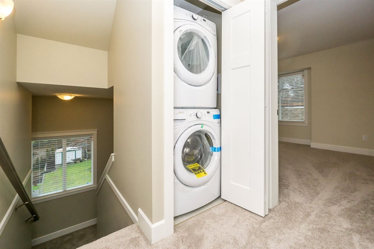"""Photo 10: Photos: 22 32921 14 Avenue in Mission: Mission BC Townhouse for sale in """"Southwynd"""" : MLS®# R2055556"""