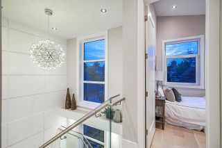 Photo 11: 1106 EDINBURGH Street in New Westminster: Moody Park House for sale : MLS®# R2403527