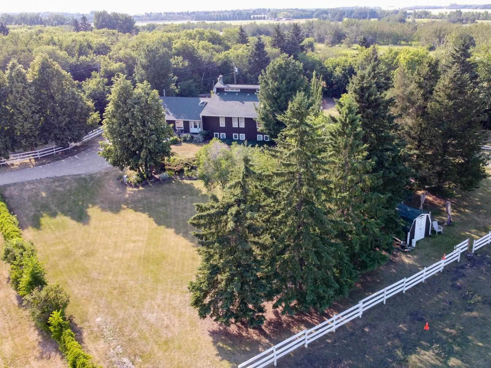 Main Photo: 23112 OLD FORT Trail: Rural Sturgeon County House for sale : MLS®# E4262230