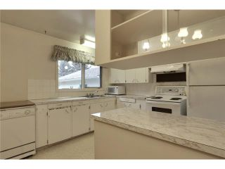 Photo 9: 1 42 Street SW in Calgary: Wildwood Residential Detached Single Family for sale : MLS®# C3634389