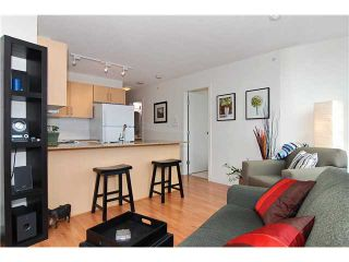 """Photo 2: 809 550 TAYLOR Street in Vancouver: Downtown VW Condo for sale in """"THE TAYLOR"""" (Vancouver West)  : MLS®# V838686"""