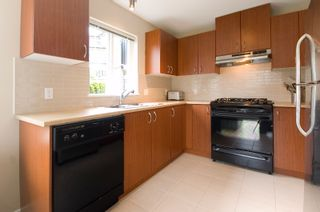 """Photo 11: 212 9233 GOVERNMENT Street in Burnaby: Government Road Condo for sale in """"SANDLEWOOD"""" (Burnaby North)  : MLS®# V764462"""