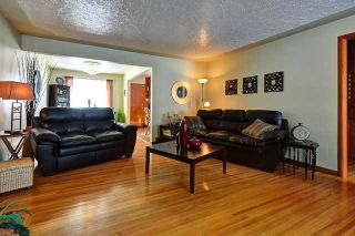 Photo 4: 3220 CAROL Drive NW in CALGARY: Collingwood Residential Detached Single Family for sale (Calgary)  : MLS®# C3605684