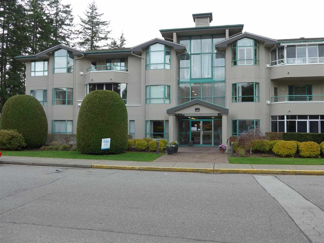 Main Photo: 304 1569 EVERALL STREET: White Rock Condo for sale (South Surrey White Rock)  : MLS®# R2222220