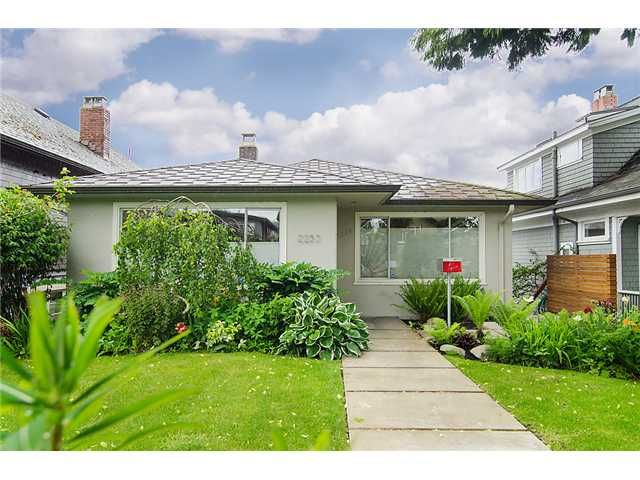 Main Photo: 2253 PARKER ST in Vancouver: Grandview VE House for sale (Vancouver East)  : MLS®# V1008336