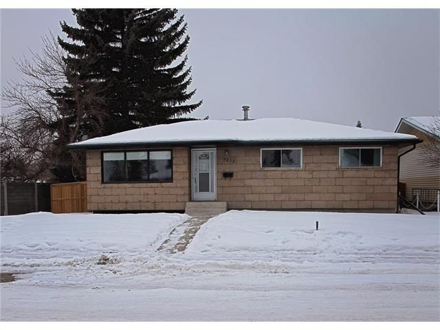Main Photo: 9835 ALCOTT Road SE in Calgary: Acadia House for sale : MLS®# C4045268