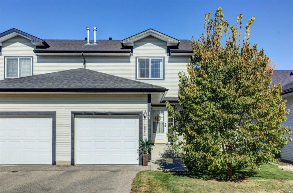 Main Photo: 17 12 Silver Creek Boulevard NW: Airdrie Row/Townhouse for sale : MLS®# A1153407