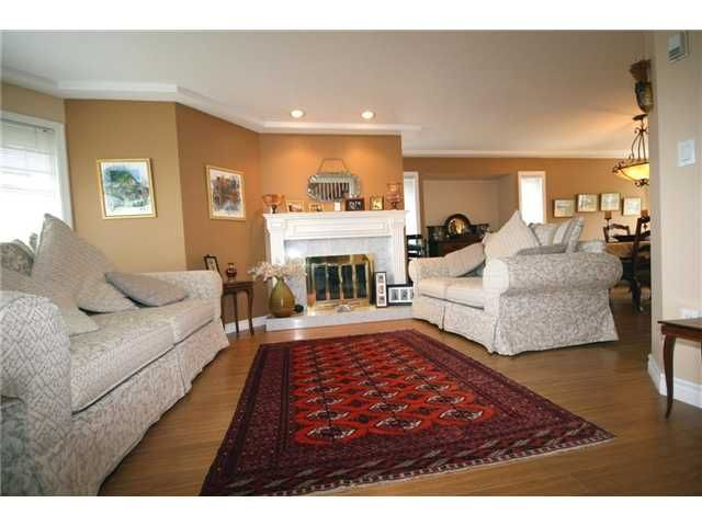 """Main Photo: 5288 PINEHURST Place in Tsawwassen: Cliff Drive House for sale in """"IMPERIAL VILLAGE"""" : MLS®# V944770"""