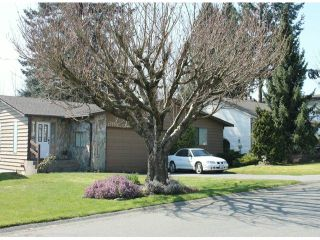 Photo 1: 17242 59A Avenue in Surrey: Cloverdale BC House for sale (Cloverdale)  : MLS®# F1307471