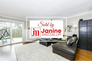 """Photo 1: 160 32550 MACLURE Road in Abbotsford: Abbotsford West Townhouse for sale in """"Clearbrook Village"""" : MLS®# R2334989"""