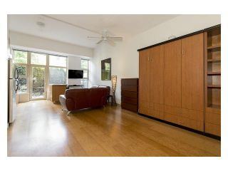 """Photo 2: 105 205 E 10TH Avenue in Vancouver: Mount Pleasant VE Condo for sale in """"The Hub"""" (Vancouver East)  : MLS®# V1082695"""