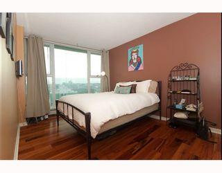 """Photo 6: 3105 1009 EXPO Boulevard in Vancouver: Downtown VW Condo  in """"LANDMARK 33"""" (Vancouver West)  : MLS®# V801794"""