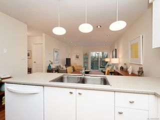 Photo 9: 305 7070 West Saanich Rd in Central Saanich: CS Brentwood Bay Condo for sale : MLS®# 842049