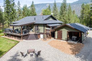 Photo 2: 1462 Highway 6 Highway, in Lumby: House for sale : MLS®# 10240075