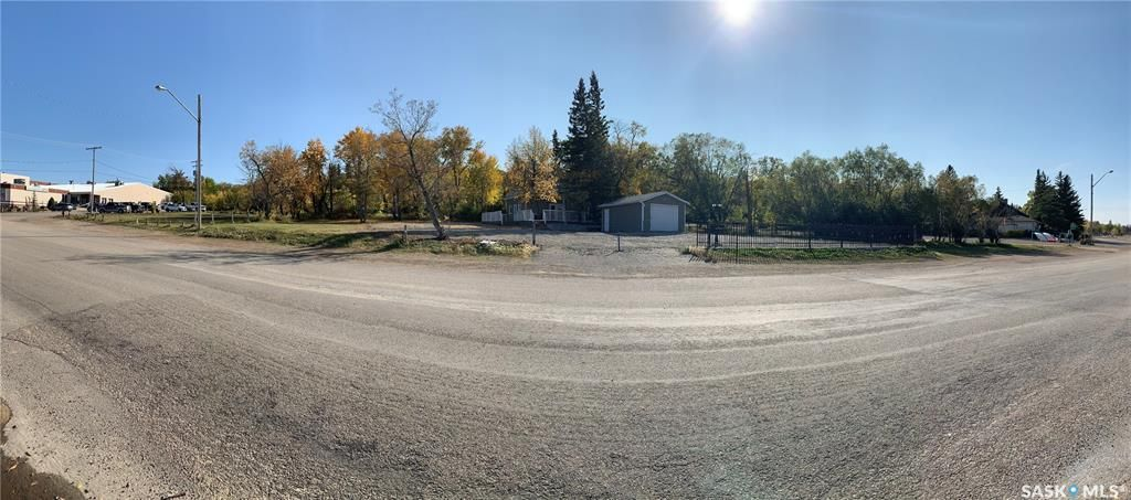 Main Photo: 402-410 MacLachlan Avenue in Manitou Beach: Commercial for sale : MLS®# SK871175