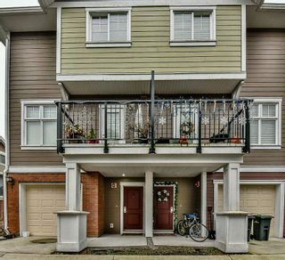 """Photo 1: 3 1135 EWEN Avenue in New Westminster: Queensborough Townhouse for sale in """"ENGLISH MEWS"""" : MLS®# R2133366"""